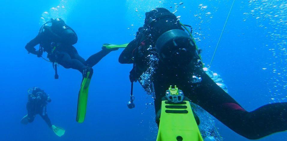 Subacquei in immersione