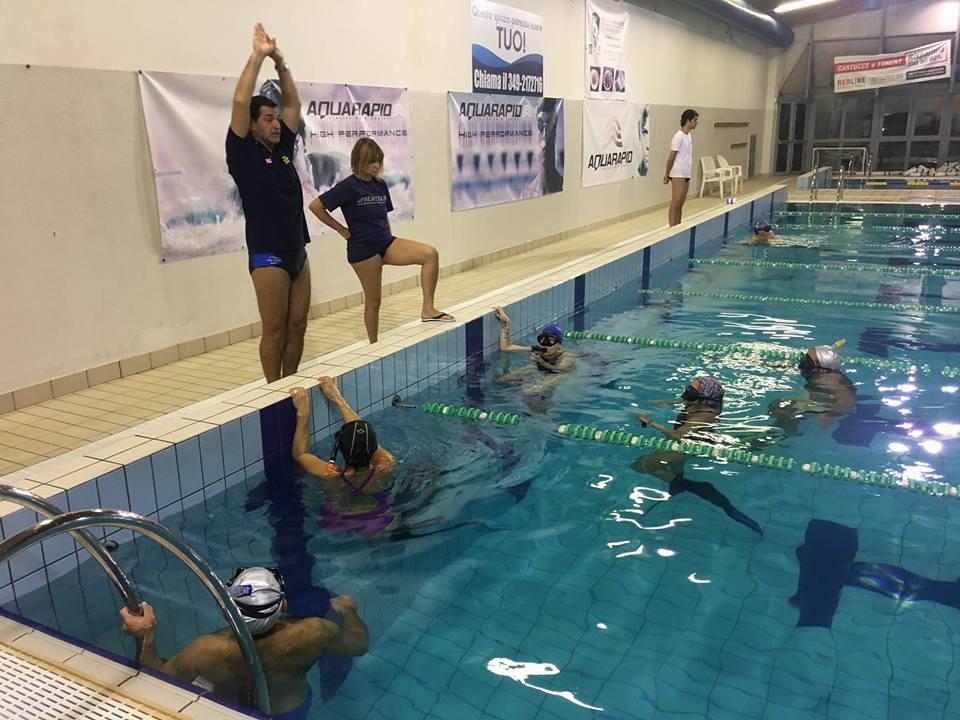 Lezioni in piscina